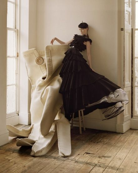 More Tim Walker and Shona Heath, is it wrong that this makes me want to make a giant glove? I've already made a big hat....I could have a set!