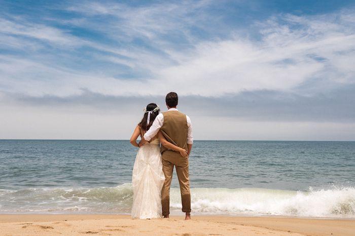 Tati e Gustavo e um Mini Wedding com pé na areia