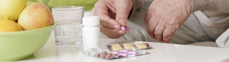 Dr. David van Bodegom houdt college over 'ontpillen'. Miljoenen Nederlanders slikken dagelijks medicijnen tegen onder meer hoge bloeddruk, hoog cholesterol, depressie, slapeloosheid, brandend maagzuur, gewrichtsklachten, botontkalking en diabetes.