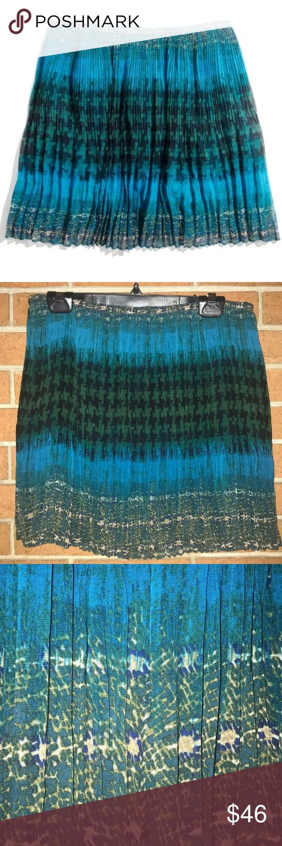 """✳️MADEWELL✳️MULTI-PRINTED PLEATED SKIRT✳️ This is a beautiful multi-print pleated mini skirt by Broadway & Broome from Madewell. Fully lined side zipping with Eye and hook closure. Measurements taken flat Waist 15"""" hips free length 16"""" Colors include turquoise black tan and green 🧚🏻♀️MADEWELL🧚🏻♀️ MULTI-PRINTED PLEATED SKIRT Madewell Skirts Mini"""