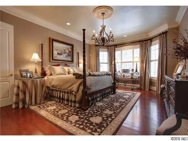 62 best images about bay windows on pinterest bay window treatments bay window benches and for Bedroom bay window treatments