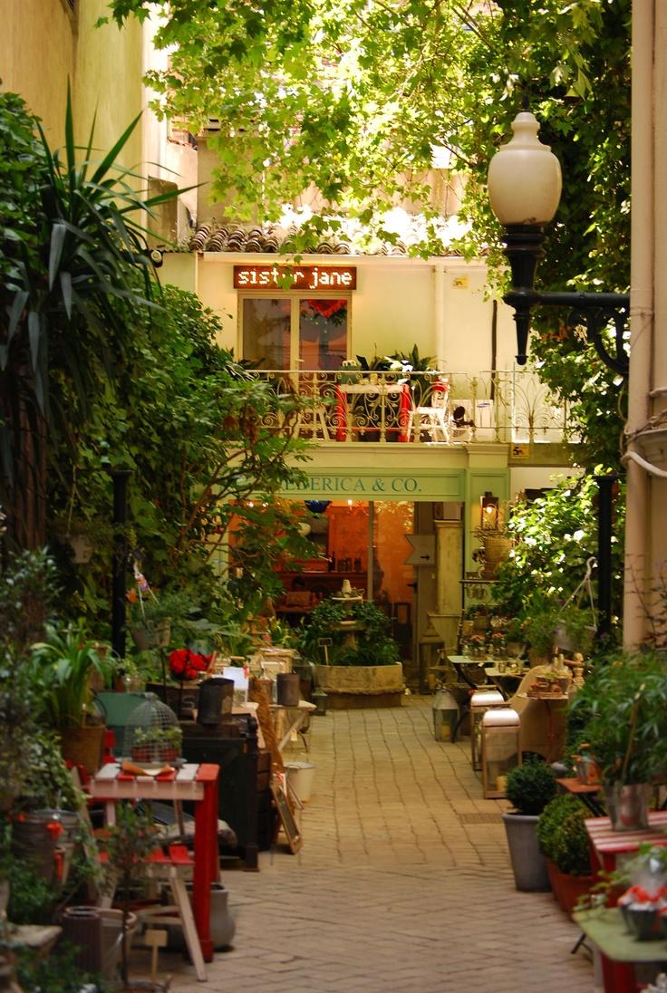 Patio interior en la calle de Hermosilla