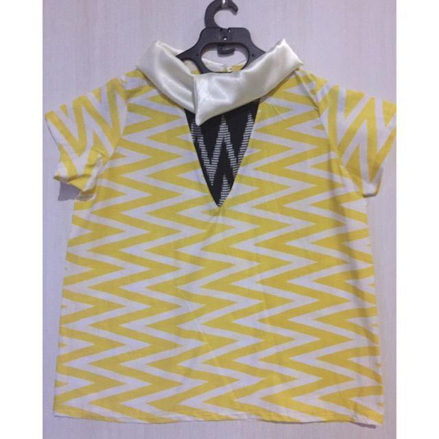 Saya menjual Blouse batik Mix tenun ikat  seharga Rp. 95.000. Dapatkan produk ini hanya di Shopee! https://shopee.co.id/imanggoethnic/73953521 #ShopeeID