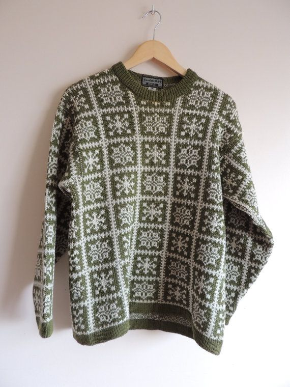 Vintage NORDSTRIKK UNISEX Green and ivory Heavy knitted by Villma