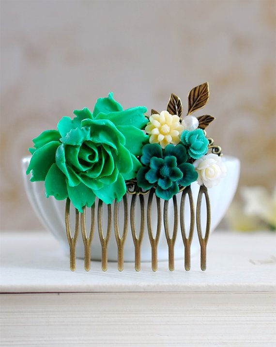 Hey, I found this really awesome Etsy listing at https://www.etsy.com/listing/161244606/emerald-green-wedding-hair-comb-bridal