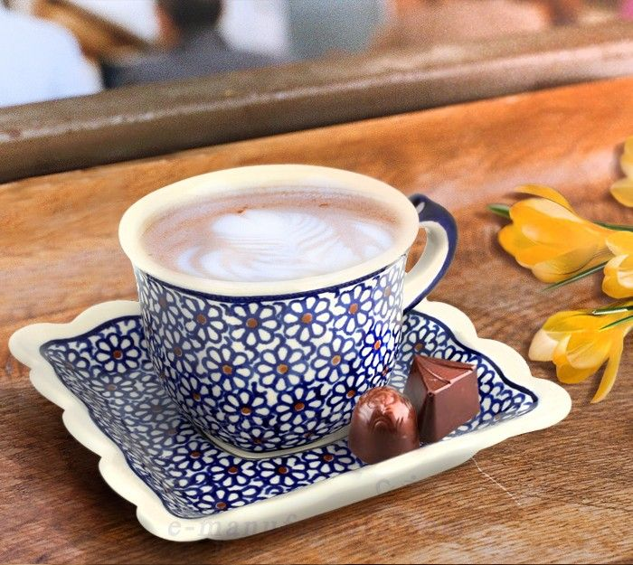 Cup with saucer. Classic decoration number 120. Hand-painted using stamps.