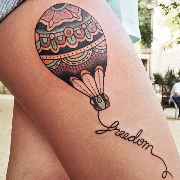 Confira fotos e o significado de Tatuagem de Balão.