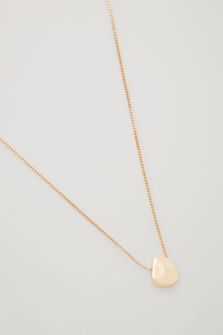 COS Short necklace with uneven disc  in Gold