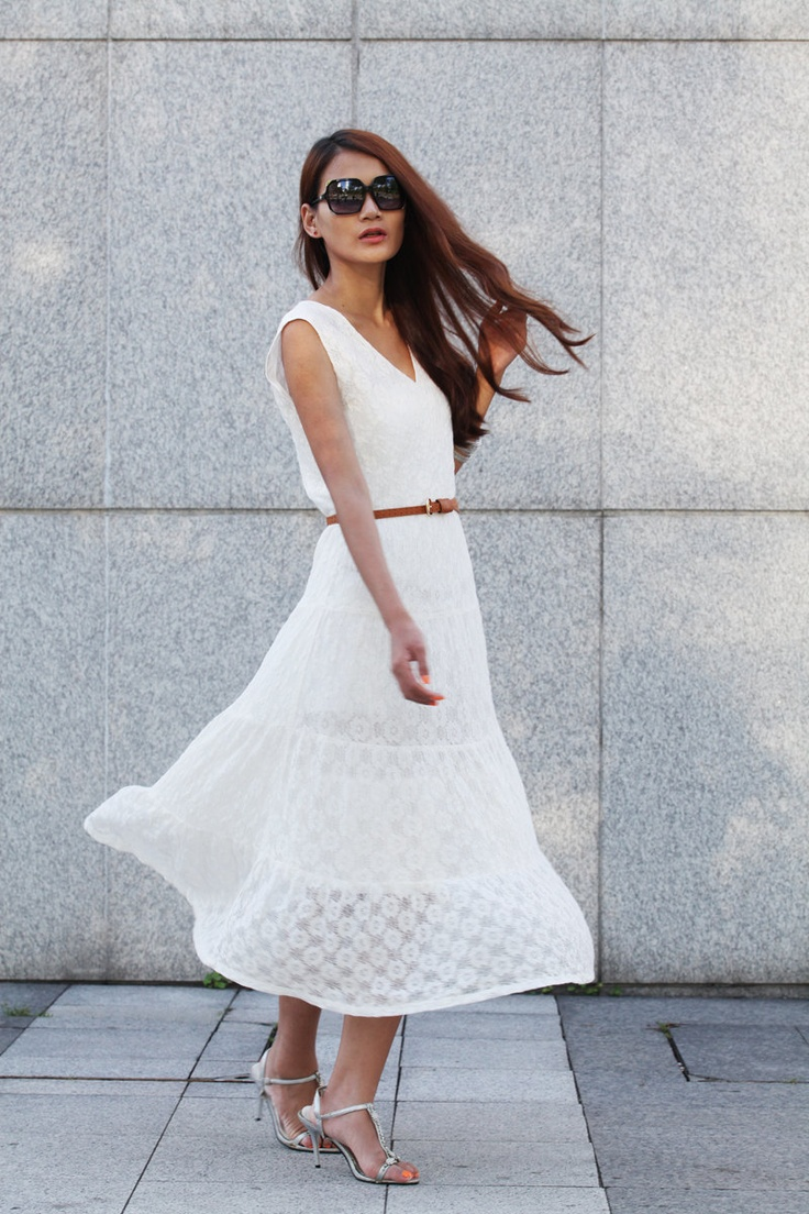 """Maxi Lace Dress Romantic '' V """" Neck Sleeveless Lace Long Dress For Summer in White"""