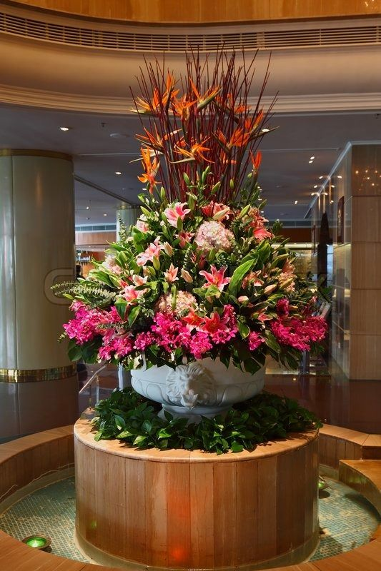 11118 best glamour n luxury wedding centerpieces images for Flower bed arrangements