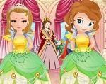 Em Princesinha Sofia Dama de Honra, a Princesinha Sofia e sua meia-irmã a Princesa Amber vão ser damas de honra de um importante casamento no palácio. São elas que irão entrar na frente da noiva jogando pétalas de rosas no chão. E você deve ajuda-las a escolher a roupa mais bela e estilosa para o casamento. Divirta-se com a Princesinha Sofia!