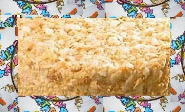 FOTO DO BOLO DE ANIVERSÁRIO COM MASSA FOLHADA  Delicia de bolo para aniversário feito com massa folhada dá para 25 porções vale apena expe...