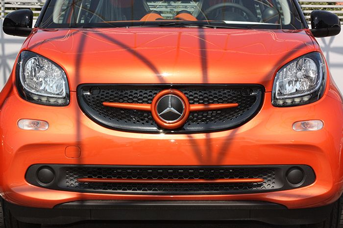 Front Grille Smart Fortwo W453 Orange with Mercedes Emblem | Smart Power Design | For more click here: http://www.smart-power-design.de/shop/front-grille-smart-fortwo-w453-orange-with-mercedes-emblem/   Keywords: front grille smart fortwo w453 lava orange with mercedes emblem,smart fortwo w453 custom hood,smart fortwo #SmartFortwoTuning #SmartFortwoAccessories #SmartFortwo #fortwo
