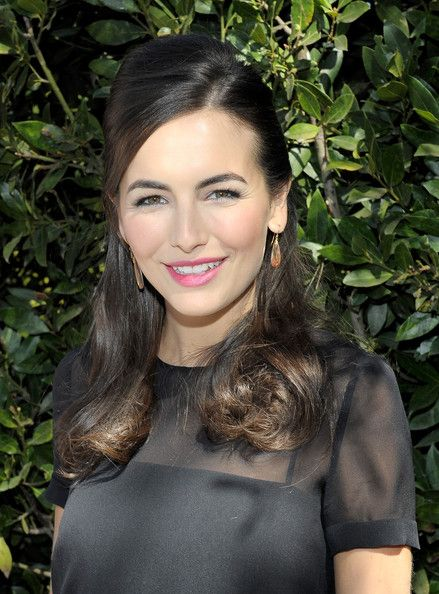 Camilla Belle Half Up Half Down - Camilla Belle sported a retro-glam half-up 'do with a teased crown and curly ends at the UNICEF Women of Compassion luncheon.
