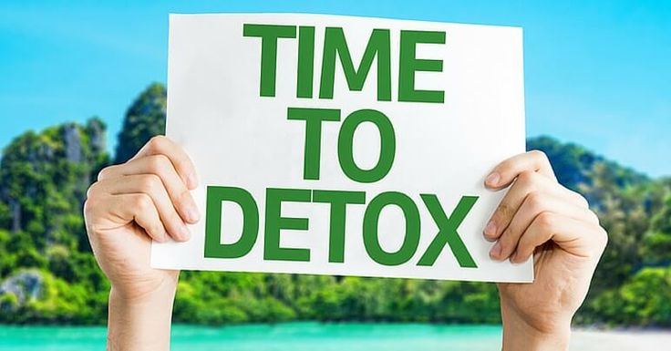 No matter how healthy your lifestyle is, you're still exposed to harmful toxins on a daily basis. See 21 warning signs your body needs to detox.