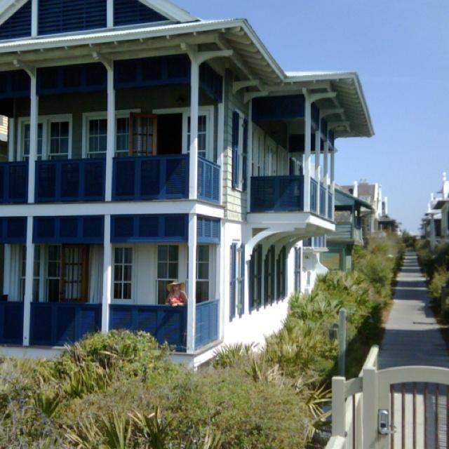 Beach House Colors: 8 Best Carolina Beach House
