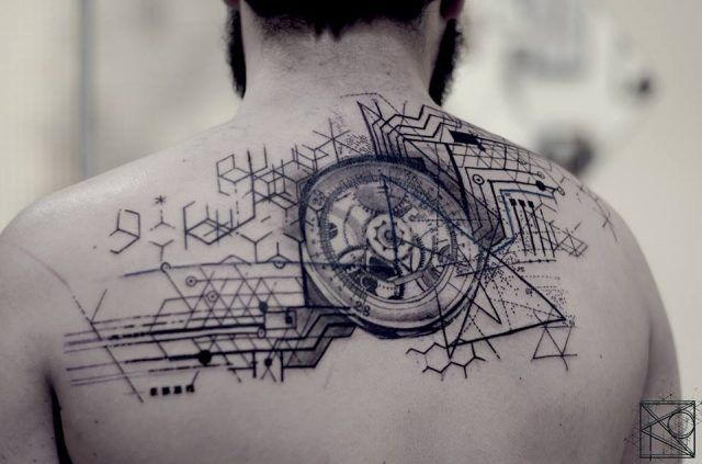 Nikos; tattoo Paris; De l'art ou du cochon; abstract geometric tattoo