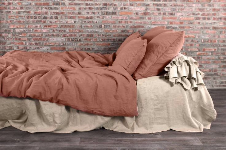 For more detail about this product please visit: https://www.linenshed.com.au/collections/duvet-cover-basic/products/linen-duvet-cover-brick