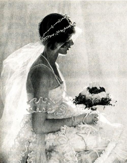Natica Nast (daughter of Condé Nast), Vogue, 1920. Photo by Baron Adolph de Meyer