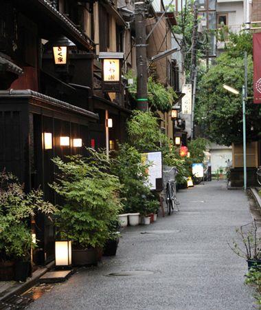 Ningyocho, Chuo city, Tokyo 江戸まち歩きと舟めぐり 東京の中心で見つけた粋な街 中央区「湊」の魅力を知る -Walkerplus
