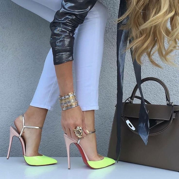 Stilettos and Stocking Tops : Photo