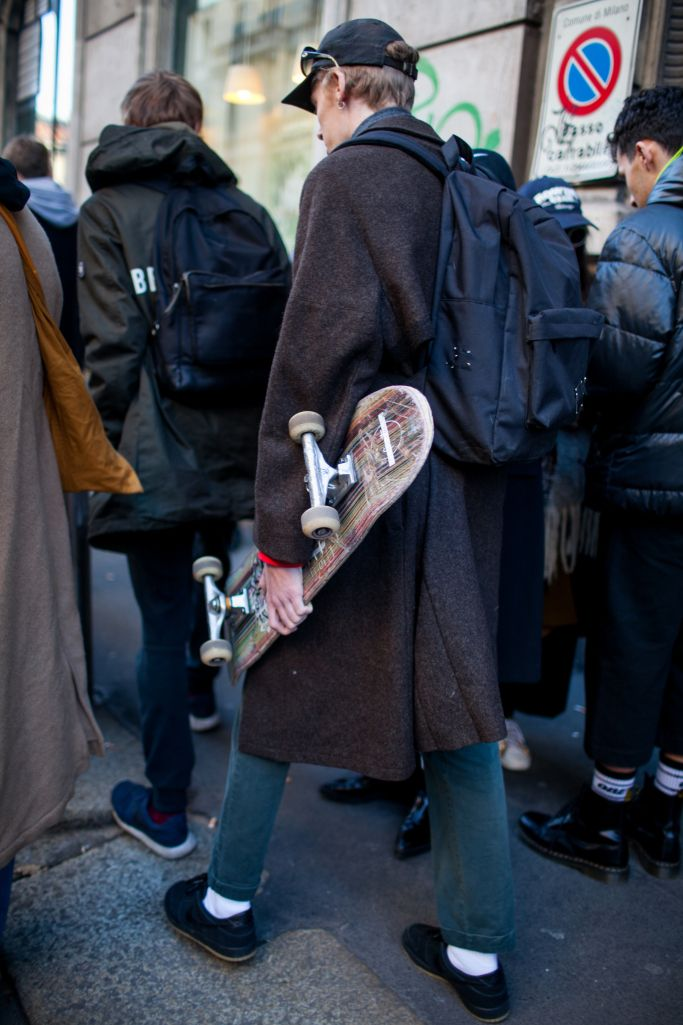 """ほどよい""""脱力感""""が今の旬 2017-18年秋冬ミラノ・メンズ・ファッション・ウイーク ストリートスナップ│WWD JAPAN"""