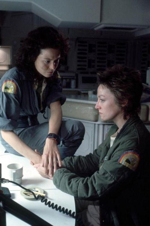 Sigourney Weaver  Veronica Cartwright Alien (1979)