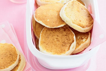 apple pikelets  Ingredients :  1 1/2 cups self-raising flour, sifted   2 tablespoons caster sugar   1 egg, lightly beaten   300ml buttermilk   1/2 cup (140g) apple puree   20g butter, melted