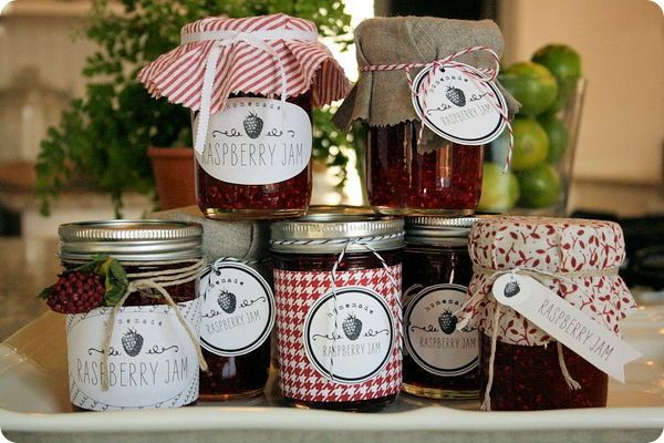 Recipe for raspberry jam with free printable label