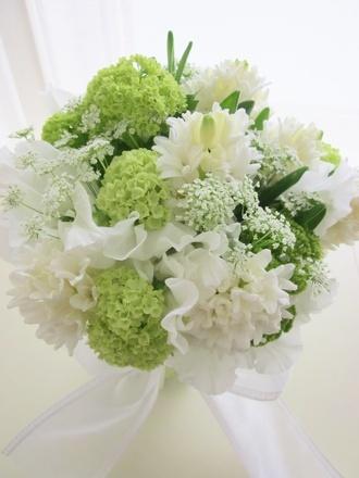 インプレッションズ(Impressions) 小花の繊細な美しさ・・・ホワイト×グリーンの優しいブーケ