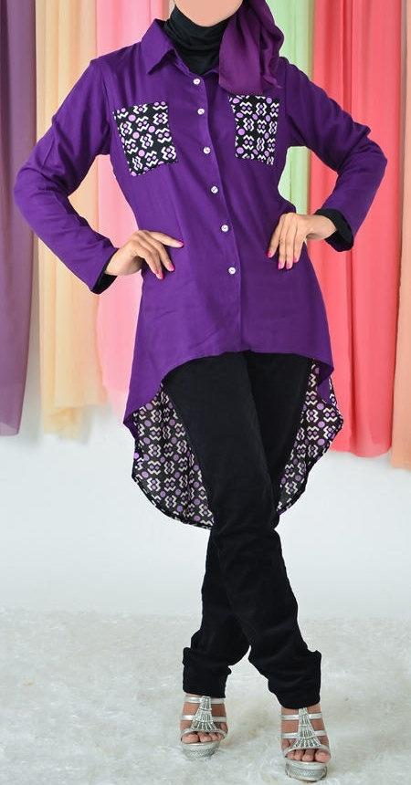 Blus muslimah Vannara Ungu - 282 Blus muslimah vannara warna ungu dengan model penguin . Dengan bahan yang yang adem akan membuat blus ini nyaman untuk digunakan beraktifitas. Blus Muslimah ini dilengkapi dengan kancing pada bagian depan.