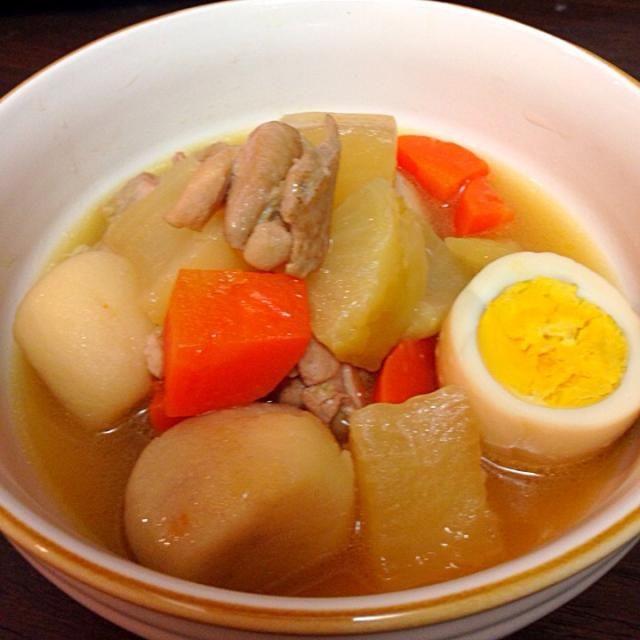 人参とゆで卵入り。煮物簡単だけど1時間ぐらいかかるのがネックだなー - 7件のもぐもぐ - 大根と鶏肉と里芋の煮物 by taro16bit