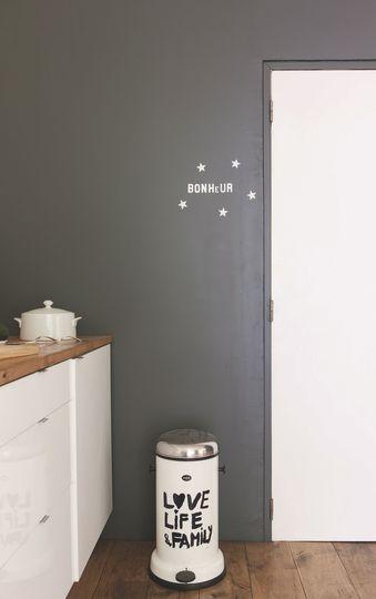 Les 25 meilleures id es concernant poubelle de porte - Poubelle de porte de cuisine ...