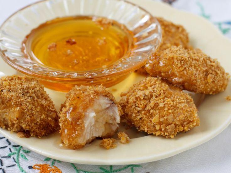 Gluten-Free Not-Fried Chicken Nuggets! We've got the #greekyogurt #reciperoundup #ontheblog