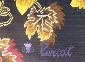 Jean Lurçat - Vendangeur, tapisserie d'Aubusson tissée par l'atelier Goubely. Avec son bolduc. Circa 1960. Détail avec la signature