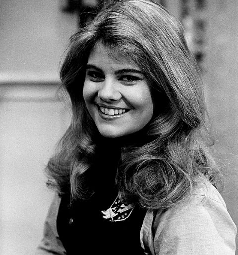Facts of Life actress Lisa Whelchel turns 51 today. She was born 5-29 in 1963. Some of you younger boomers might have known her first from the New Mickey Mouse Club.