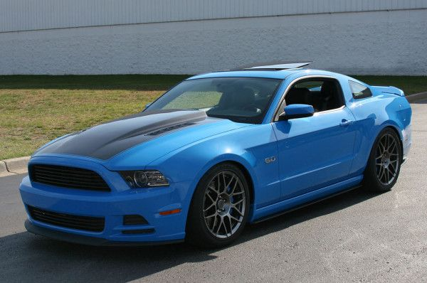 2014 Ford Mustang Coupe Side Images 600x398 2014 Ford Mustang Full Review With Images