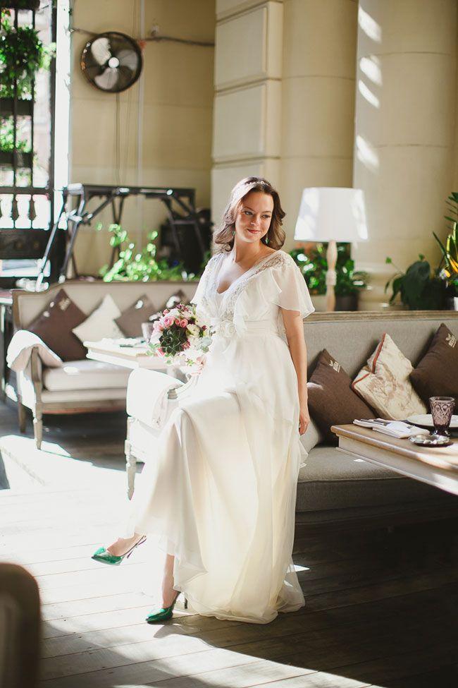 невеста в платье Alena Goretskaya / bride wearing Alena Goretskaya dress