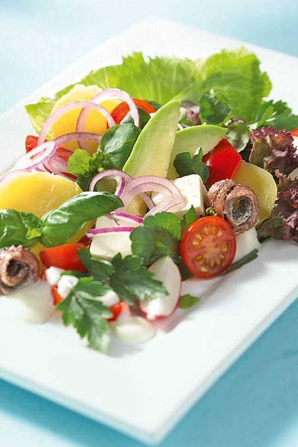 Mmmmh, wie wärs mit diesem leckeren Salat? Das leichte Rezept gibt's hier: