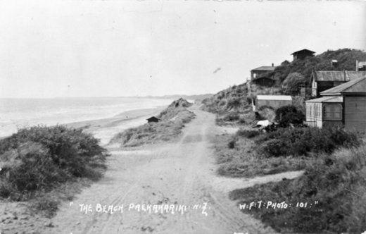 Paekakariki beach road, Kapiti Coast - Alexander Turnbull Library