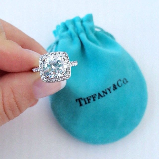 Tiffany it39s pretty cool tiffany outlet15 i for Wedding ring companies