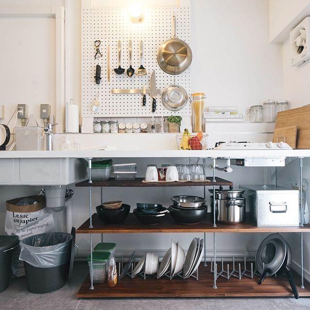 コンパクトなキッチンの賢い収納術 1人暮らしのワンルームでも諦め