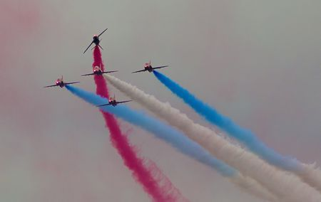 Red Arrows - Gone Loopy Photo by Richard Freeman — National Geographic Your Shot published by https://redsmerchandise.co.uk/red-arrows-gone-loopy-photo-by-rik-freeman-nat-geo-your-shot-natgeophotos/