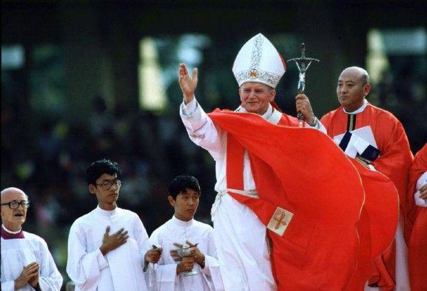 1995: Giovanni Paolo II in viaggio tra la paura e la fede. Ricordo delle Filippine