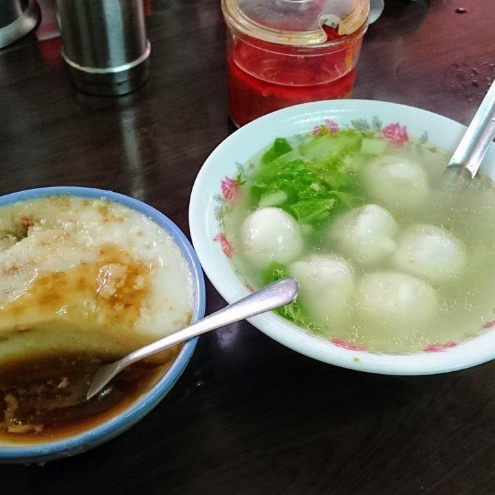CNN発表のグルメ旅すべき国ランキングでも第1位となった美食の国、台湾。最近では台湾発のグルメも多数日本に進出しておりその勢いは増すばかり!すでに台湾へ旅行し超有名店の小籠包や夜市のB級グルメを味わったことのある人も多いのではないでしょうか。しかし台湾のグルメはとてつもなく奥深いのです!今回は台北在住者がイチオシする台湾グルメの中から、さらに実際食べ歩いて本当に美味しかったお店だけをご紹介します。これを見たらまた台湾へ行きたくなる、そんなお店10選です。 Photo by: kuma-neko