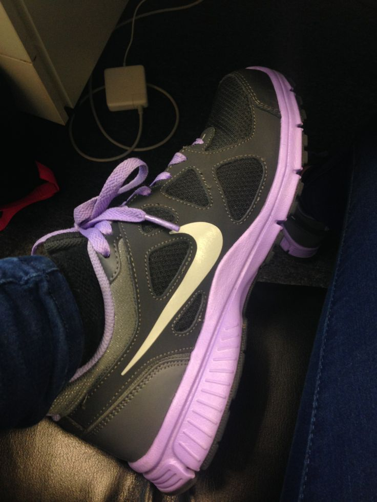 These are my Nikes - I love them. They are really comfortable and they look great! Excellent for commuting to London