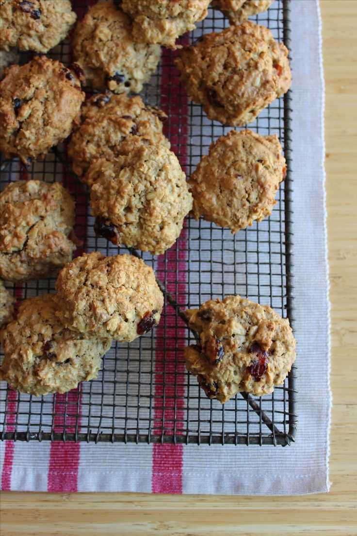 Kosblik If you are going to pack a treat, make sure it is homemade, like these yummy oat cookies.