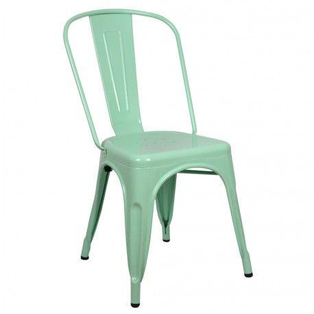 ¿No crees que esta sillas industrila vintage de metal quedará genial en cualquier estancia? Sillas metálicas de estilo industrial verde menta, blanca y negra en promoción. #descuento #sillas #comedor #cocina #bares #bares #restaurantes