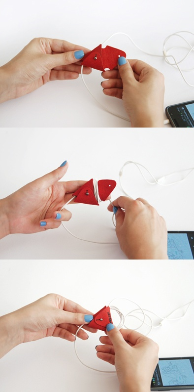Jstory ㅣ Mr. BABBA EARPHONE WINDER prevents tangled earphone cable.