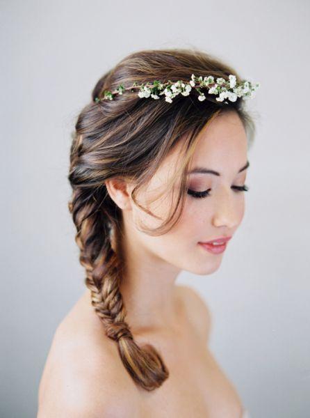 Corone floreali per la sposa: un tocco etereo al tuo bridal look Image: 4